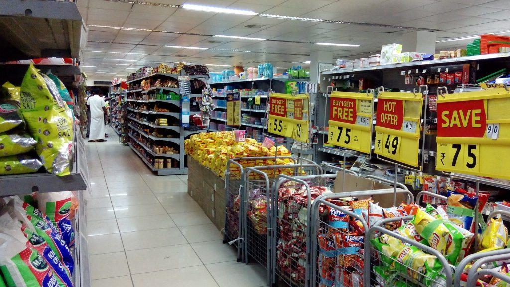 supermarket pay  buy food